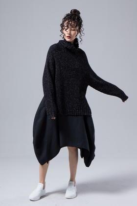 原创设计 羊毛不规则立体剪裁复杂拼接结构呢半裙