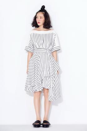 天丝麻印条纹 螺纹拼接多层次大摆连衣裙可露肩