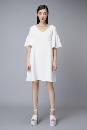SYU HAN原创设计 女人味露背荷叶袖子V领A型连衣裙 黑白两色