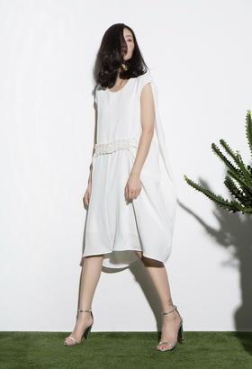 原创设计立体裁剪 好穿耐看的装饰通勤连衣裙手工珍珠