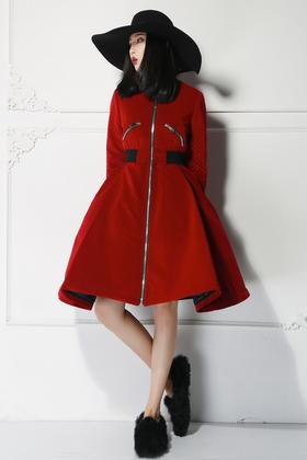 原创设计 华丽浮夸大摆收腰裙摆夹克式长棉衣外套丝绒