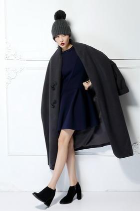 SYUSYUHAN原创设计重磅针织羊绒呢 夸张大轮廓宽松茧形牛角扣大衣
