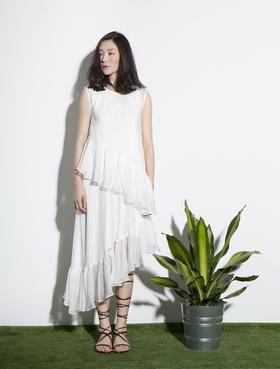 特立独行的蚕丝多层次不对称斜脚设计感荷叶连衣裙
