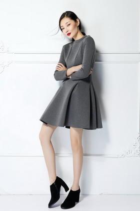 旋转式修身立体剪裁 不规则秋冬厚实连衣裙
