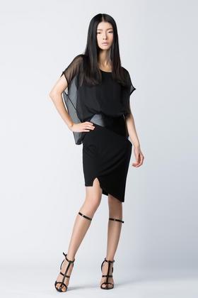 SYU HAN原创设计 黑色雪纺纱拼接PU不规则不对称包臀显瘦连衣裙