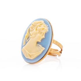 维多利亚贝雕戒指 材质: 铜镀18K金 天然母贝