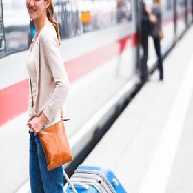 里昂Perrache火车站接车