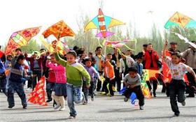 【风筝节两大一小】和春天的约会——不用去潍坊也可以感受的千人风筝盛宴,各种好玩的亲子游戏与成长体验等你来!