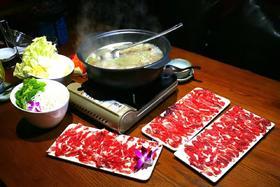 【398元外卖5~8人家庭套餐】宽°C音乐主题火锅餐吧5-8人外卖套餐只要398元