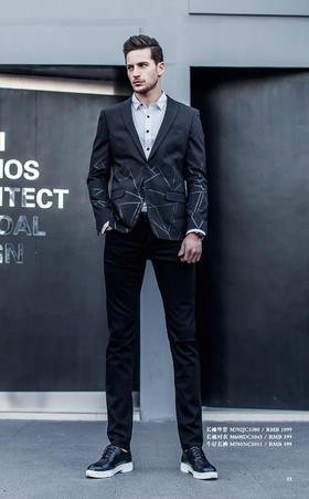 长袖外套:M702JC1080¥1,099; 长袖衬衣:M608DC1043¥399; 牛仔长裤:M701NC1011¥599