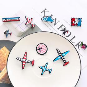 可爱飞机徽章亚克力胸针  文具