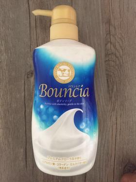 日本Cosme大赏COW牛乳石碱bouncia浓密优雅花香玫瑰香沐浴露550ml