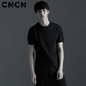 CNCN男装 夏季纯棉T恤 黑色圆领个性袖口体恤CNBT29057