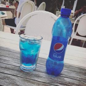 巴厘岛进口正品 网红蓝色百事可乐pepsi blue450ml瓶装 可口可乐