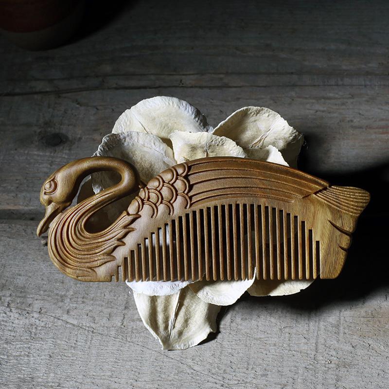 周广胜天鹅绿檀木梳子雕花便携细齿木梳送女友礼品创意礼物细齿梳 商品图1