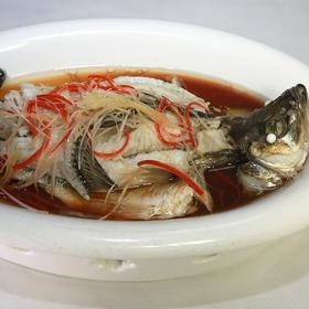 古法蒸鲈鱼