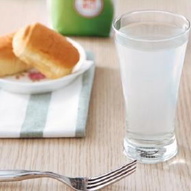 椰子水:解渴、天然、补充电解质!