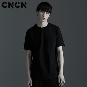 CNCN男装 宽松圆领短袖T恤 黑色薄款高弹力口袋装饰体恤CNBT29038