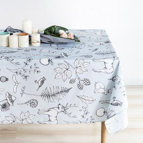 Slowly系列驯鹿森林防水桌布