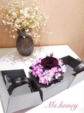 粉紫色永生花系带礼盒