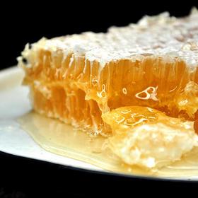 【一年只收获一次,每一块都是限量版】,新疆葵花巢蜜,纯正天然野生农家自产蜂巢蜜,一种您没吃过的蜂蜜!