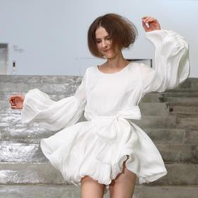 SYUSYUHAN设计师品牌 光感亮丝面料大泡泡袖宽松腰带灯笼连衣裙