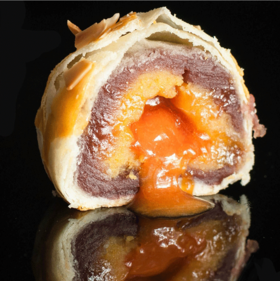 又薄又脆酥酥绵绵,上口就停不下来会流心的抹茶肉松紫薯蛋黄酥!