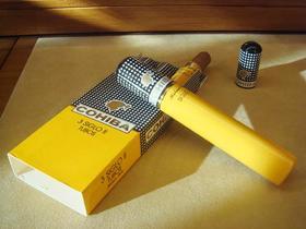 品质雪茄--COHIBA高希霸1号   高希霸5号
