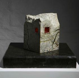 家园 / 铜、花岗岩 / 16X15X24cm / 2009