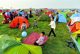 十一黄金周——亲子子帐篷节、亲子互动游戏+露营+露天电影+夜登+烧烤食材无限量