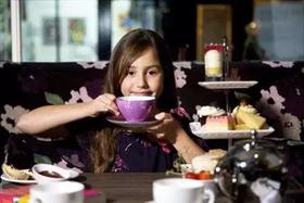 美食制作   速围观,小淑女们的公益下午茶是这样滴...