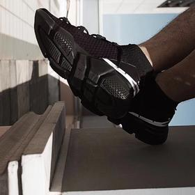 【轻如羽毛】VACYHOME 超轻弹力布面运动鞋 袜子鞋 慢跑鞋 鲨鱼黑 荧光白限量版 男女情侣鞋