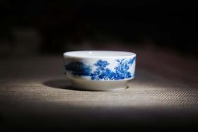 品墨善雅 景德镇茶具纯手绘青花陶瓷茶杯 井栏山水单杯