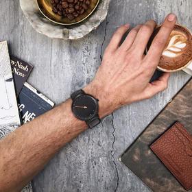 虫洞概念手表  单针设计  创意旋涡式读时
