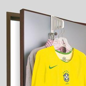【空间节省利器】日本原装进口  SANADA  创意门后挂衣钩  无痕悬挂 充分利用门后空间