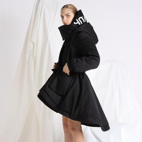 SYUSYUHAN设计师 纯棉料独特造型燕尾裙摆厚实收腰有帽大口袋棉衣