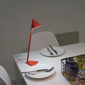 台灯界的变形金刚,Chocolight可组装可充电三角台灯