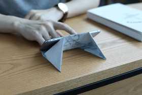 日本FODI:纸做的手机支架 承重40斤