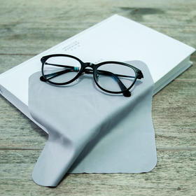 用这个黑科技眼镜布一擦,从此镜片不再有雾气