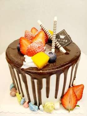 新年快乐  加高4寸蛋糕过新年没有我怎么能行......直径12.5CM高10CM