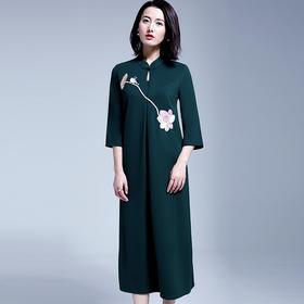 中长款刺绣宽松连衣裙2018春季新款纯色打底过膝裙子YFN17158-2
