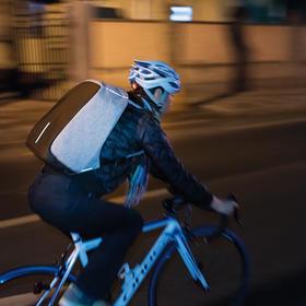 蒙马特城市安全防盗背包
