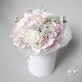 【主角】温柔色系鲜花花盒创意鲜花礼品