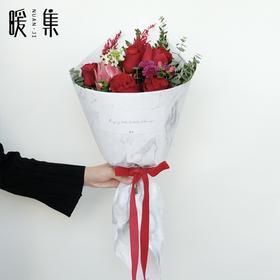 【酒醉的探戈】进口非洲公主和红玫瑰的搭配鲜花花束