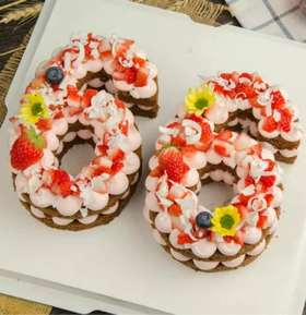 网红鲜花数字蛋糕(当前价位是1个数字蛋糕的价位,如是两位数字生日请直接购买两个数字)