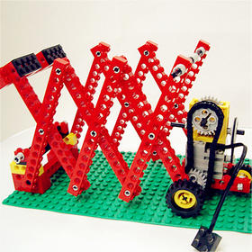 搭建、拼凑、建模……玩妈这次把孩子们期待已久的乐高机器人体验活动请来啦!