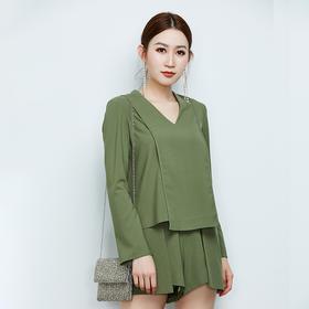 长袖绿色套装上衣