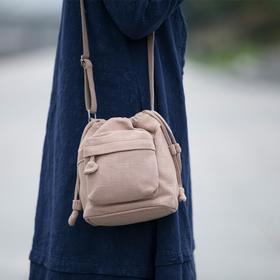 2018新款棉麻文艺帆布包斜挎水桶包女单肩复古休闲布袋原宿风女包