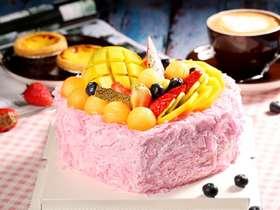 粉巧克力心形水果蛋糕