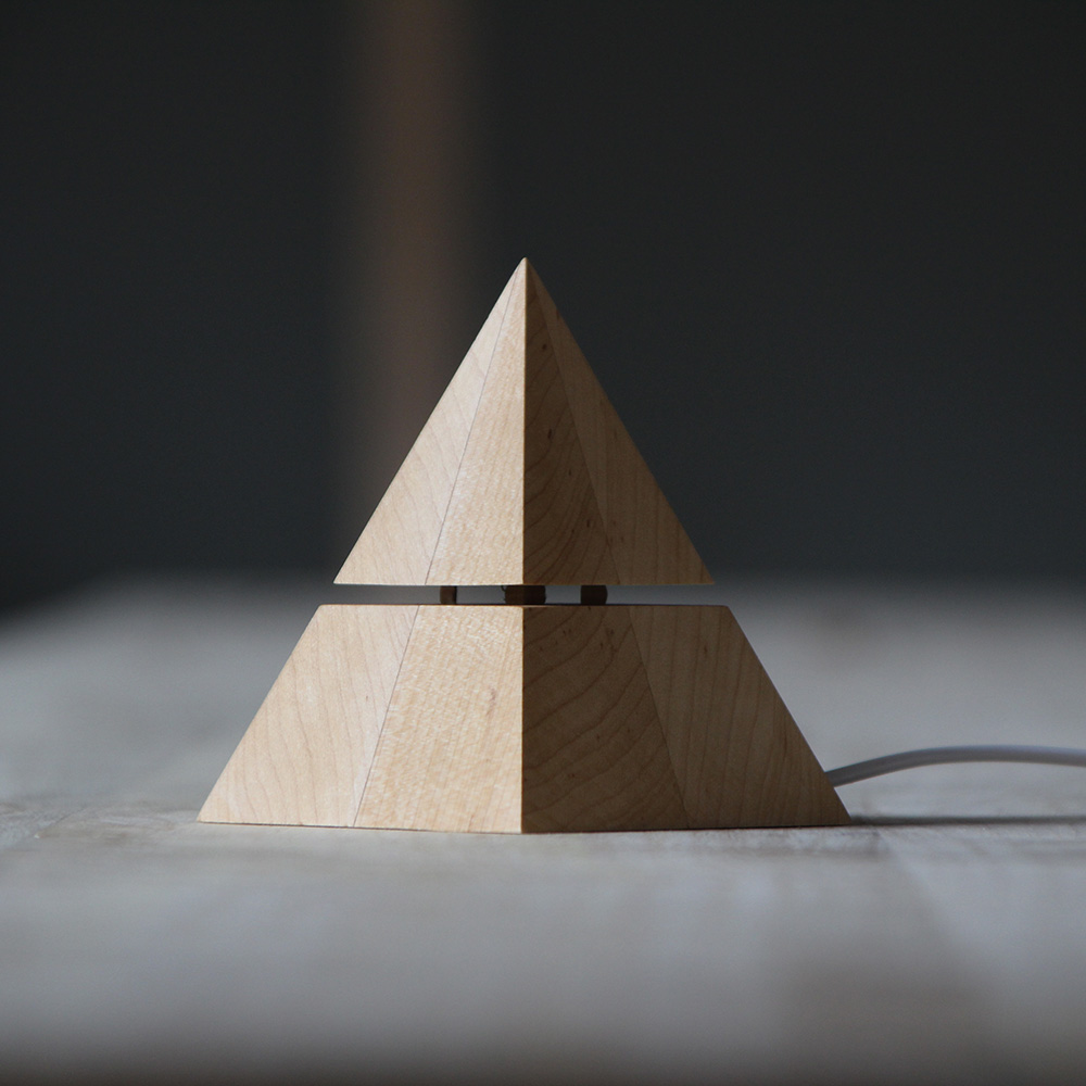 [觅见生活]原创设计金字塔灯塔小夜灯木质氛围灯LED暖光USB装饰灯